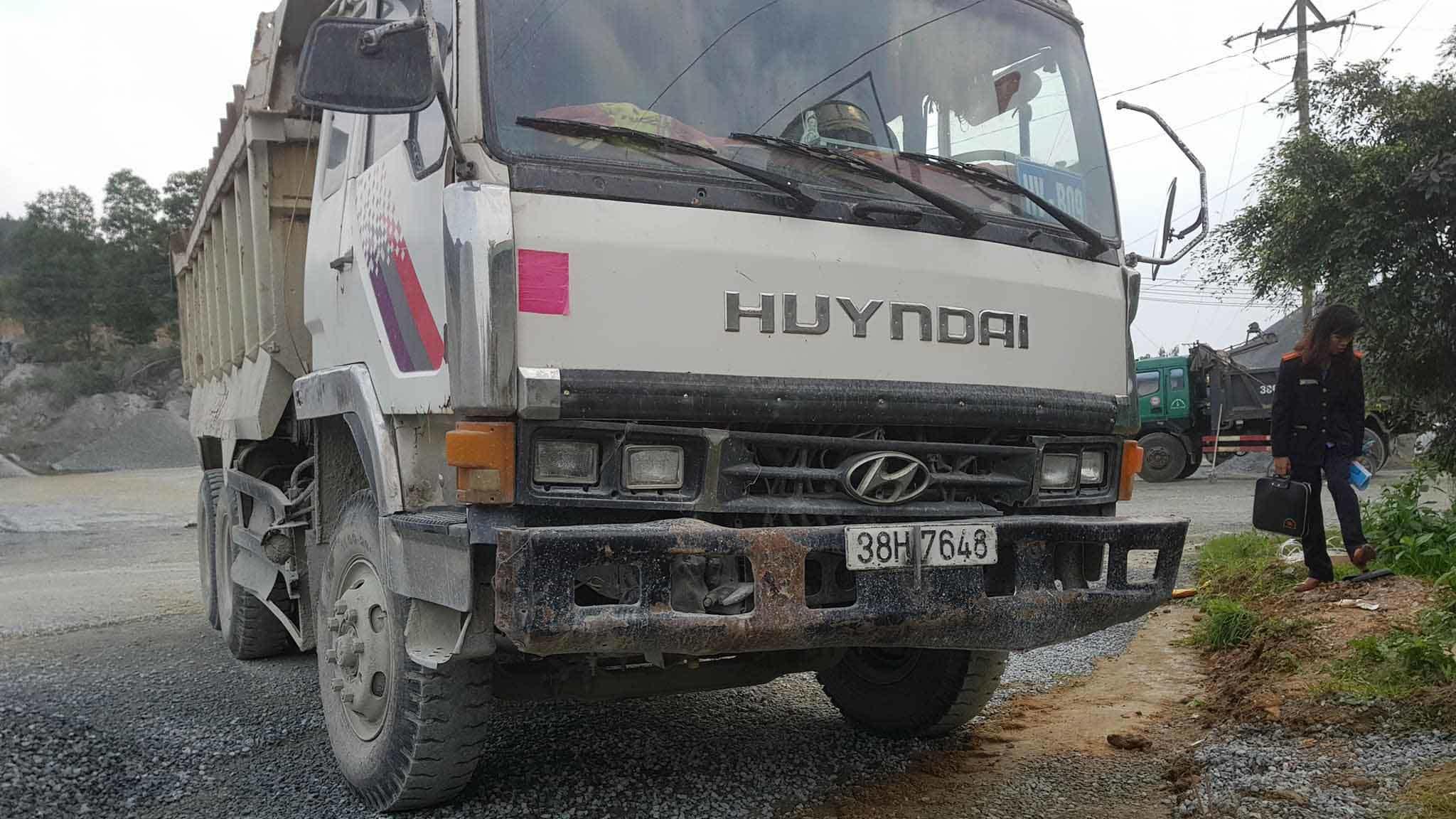 Xe tải không người lái đâm chết bảo vệ tại mỏ đá