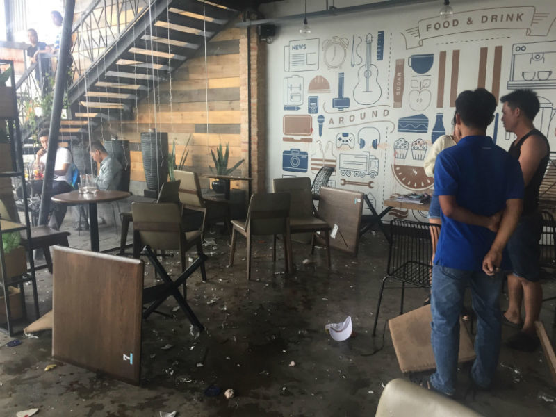 Hai nhóm thanh niên hỗn chiến trong quán cà phê Sài Gòn