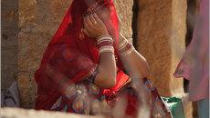 Nỗi tủi nhục của người vợ bị gã chồng giở trò 'bẩn' ngày cưới