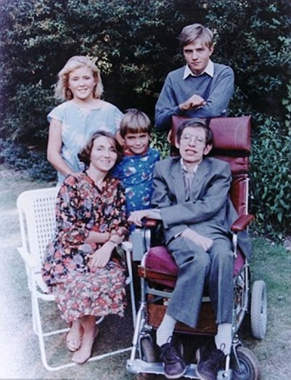 gia dinh Stephen Hawking
