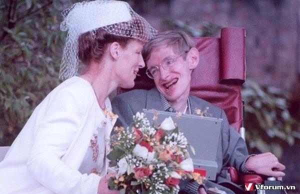 Stephen Hawking va vo hai