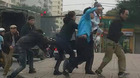 Nhân viên xe buýt cầm gạch đuổi đánh tài xế ôtô tải sau tai nạn