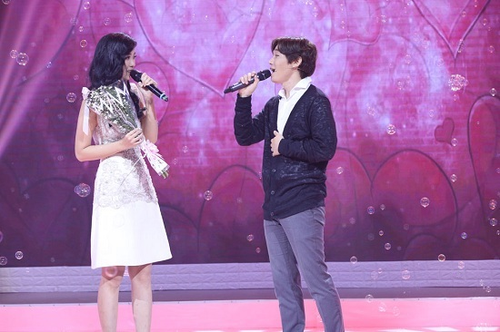 Cưa đổ hotgirl trên truyền hình bằng màn tỏ tình lãng mạn như phim Hàn