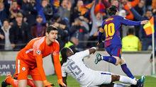 MU tỉnh táo thì sống, Barca để Messi làm gì?