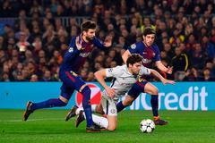 """HLV Barca: """"Chelsea khiến chúng tôi căng mình chống đỡ"""""""