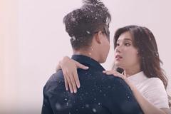 MV 'Nụ hôn đánh rơi' của Hoàng Yến Chibi đốn tim người yêu nhạc
