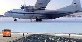 máy bay làm rơi vàng