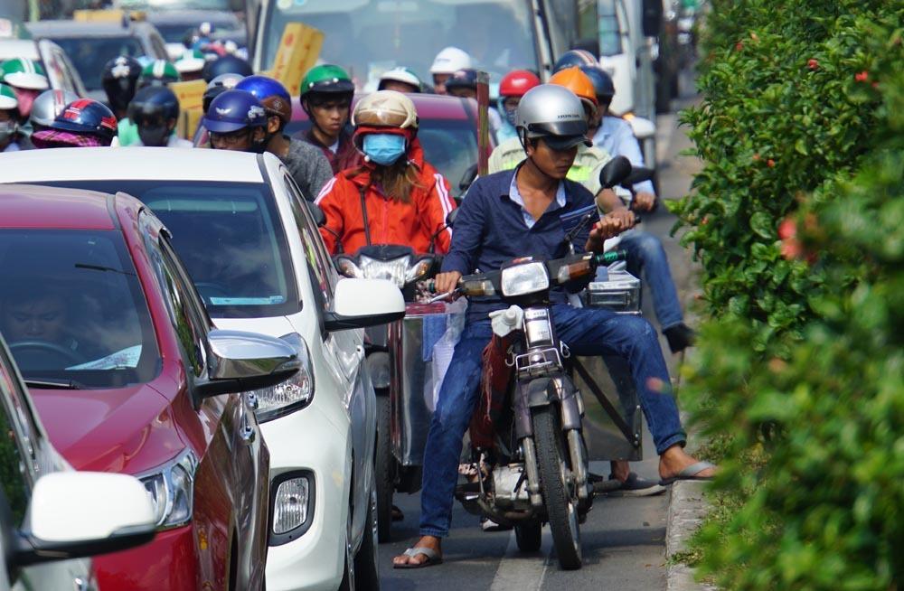 kẹt xe,ùn tắc,sài gòn,Tân Sơn Nhất,kẹt xe ở Tân Sơn Nhất