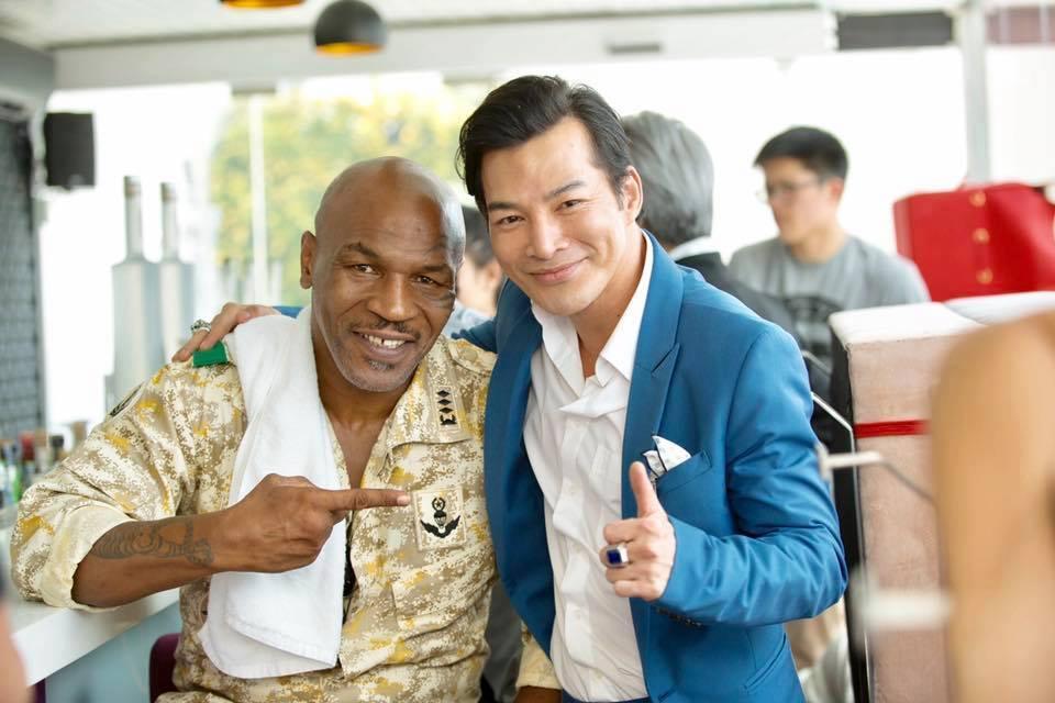 Mike Tyson 'hết hồn' trước võ thuật của Elly Trần