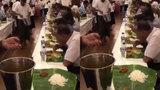 Muốn tổ chức tiệc cưới linh đình mà không muốn rửa bát, hãy làm theo cách này