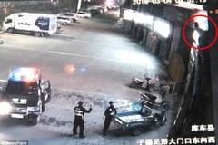 Cảnh sát liều mình đỡ người phụ nữ nhảy lầu