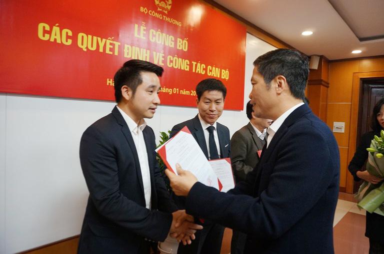 Ô tô chở tiền, vàng của đại gia đánh bạc Phan Sào Nam, Nguyễn Văn Dương
