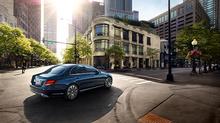 Khách sạn Majestic nhận xe Mercedes-Benz E 200 thế hệ mới