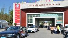 Ô tô du lịch Trung Quốc lái vào tận TP. Hạ Long