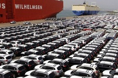 Ô tô nhập khẩu với thuế 0% ồ ạt về VN: Vì sao ít xe được điều chỉnh giá?