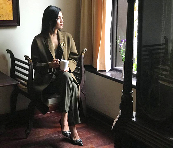 Hồ Ngọc Hà giản dị vẫn sang, Thúy Vân đổi style khác lạ