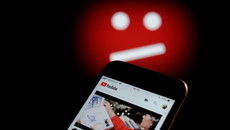 YouTube tiếp tục cung cấp nội dung sai lệch cho trẻ em