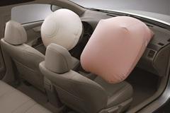 Ai ngồi trên ô tô cũng cần biết những điều này về túi khí kẻo có ngày 'chết oan'