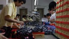 Bí mật về những đôi giày 'hàng hiệu' bán tràn lan trên thị trường