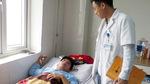 Trần tình của thầy giáo bị đánh gãy sống mũi vì tát học sinh
