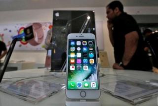 Apple tự sản xuất màn hình, cổ phiếu Samsung, Sharp điêu đứng