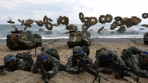 Mỹ-Hàn nối lại tập trận, ông Trump chuẩn bị gặp Kim Jong Un