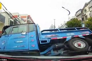 Xem xế hộp rượt đuổi xe tải gây tai nạn bỏ trốn