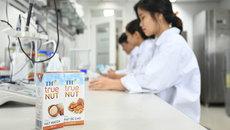 Điều bất ngờ có trong hộp sữa hạt TH true NUT