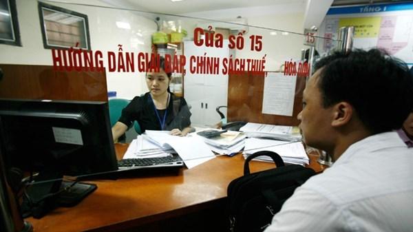 Cán bộ thuế đi thu bảo hiểm xã hội: Cắt giảm ngàn công chức