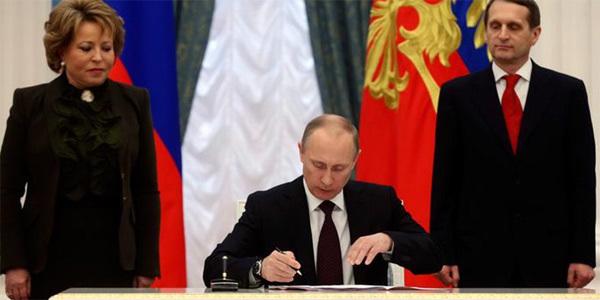 Putin ký phê chuẩn thành luật Hiệp ước Sáp nhập Crưm