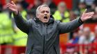 """MU hỗn loạn: Màn tung hê đi vào """"vết xe đổ"""" của Mourinho"""