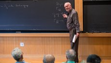 """Nhà toán học 81 tuổi được trao giải thưởng """"Nobel về Toán học"""""""