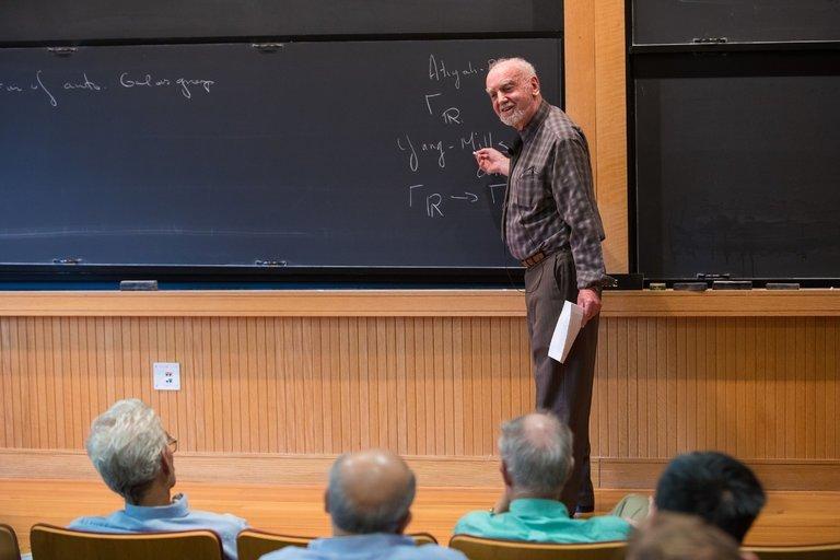 Nhà toán học 81 tuổi được trao giải thưởng 'Nobel về Toán học'