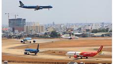 Điều tra 1 người nước ngoài xông vào công ty Quản lý bay