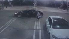 Trộm đem trả bé sơ sinh sau khi cuỗm xe