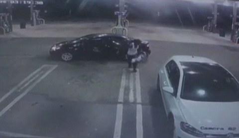 trộm xe đem trả bé sơ sinh