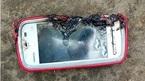 Điện thoại nổ trong lúc sạc khiến thiếu nữ tử vong