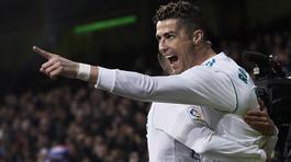 Ronaldo thách thức Messi: Cả thế giới ghen tị với CR7
