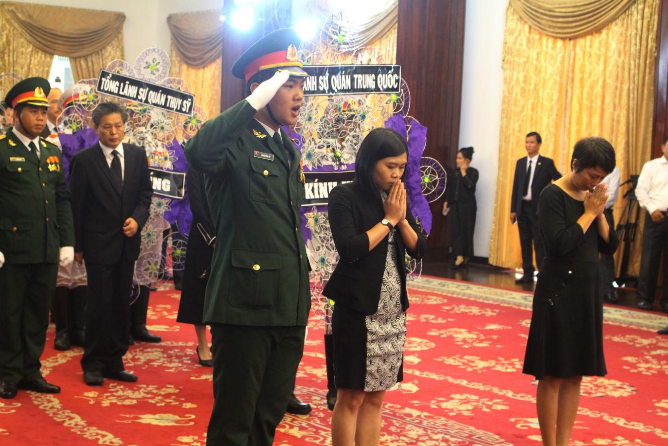 Nhiều đoàn quốc tế viếng nguyên Thủ tướng Phan Văn Khải