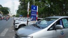 Thu phí ô tô đậu lòng đường ở TP.HCM đang thất thu 60%