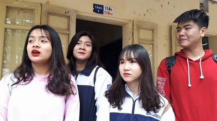 Di dời toàn bộ học sinh sau vụ vữa trần rơi khiến 3 em nhập viện