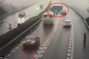 Xe tải đi ngược chiều, quay đầu trên cao tốc gây tai nạn liên hoàn