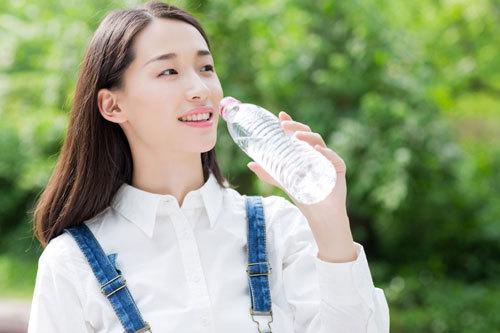 Những điều cần lưu ý về nước uống hàng ngày
