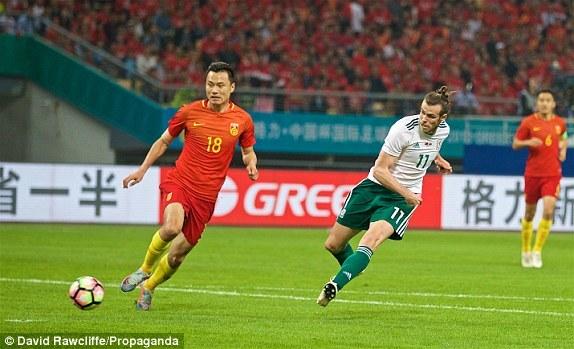 Bale lập hat-trick, Giggs ra mắt xứ Wales bằng chiến thắng 6-0