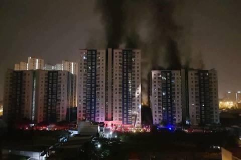 Cháy chung cư Carina Plaza: 13 người chết