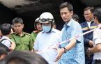 Bí thư Nguyễn Thiện Nhân đeo khẩu trang xuống chung cư bị cháy