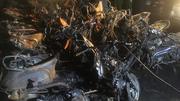 Biến dạng khủng khiếp trong hầm xe chung cư cháy 13 người chết