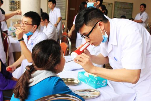 Khám, tư vấn răng miễn phí tại BV Răng Hàm Mặt T.Ư