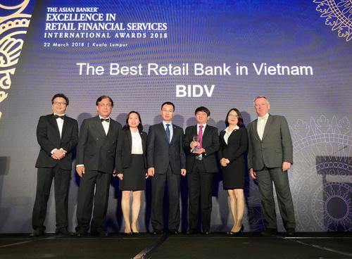 Ngân hàng bán lẻ Việt Nam: nhiều dấu ấn trên trường quốc tế