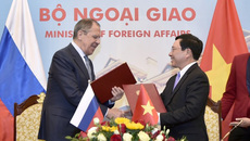 Đề nghị Nga hỗ trợ người Việt sống, làm ăn hợp pháp lâu dài tại Nga